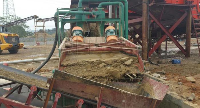 细沙回收机作业过程